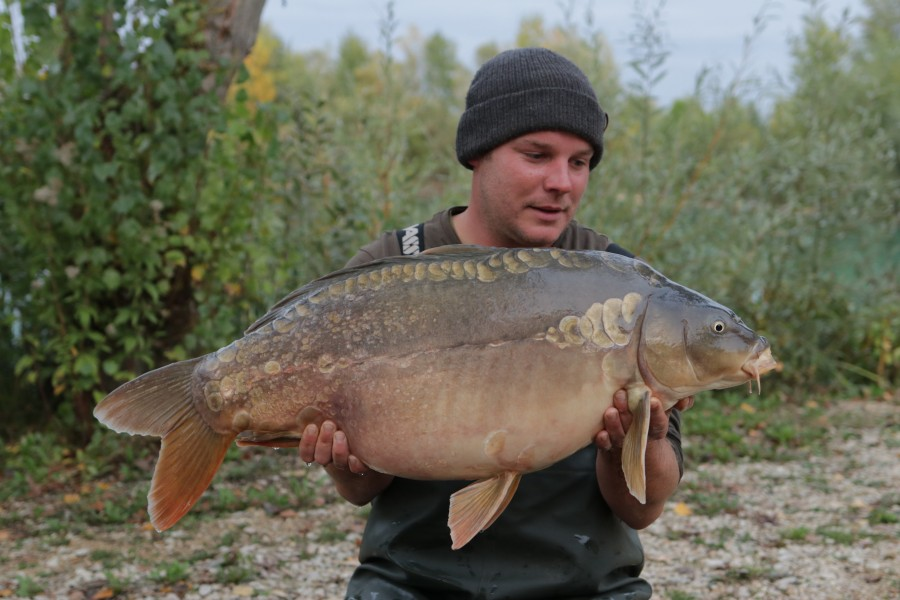 Rich Holden with Mr Universe 29lb 12oz from Pole 05.10.2019