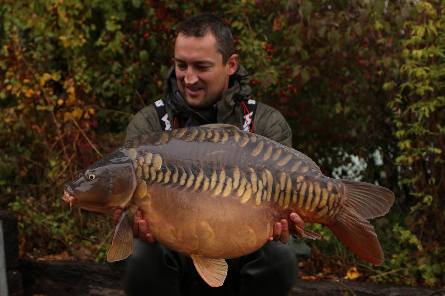 "Just look at the scale pattern on this 34lb stocky named ""Squeaky Clean""............"