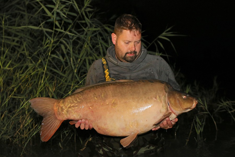 "Another new 50lber in ""Pawprint"" who went 52lb 8oz !!!........"
